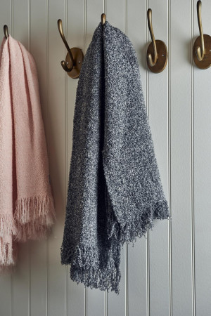 BRENTWOOD BOUCLE THROW ENCH GREY von RM