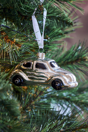 CHRISTMAS BEETLE ORNAMENT von RM