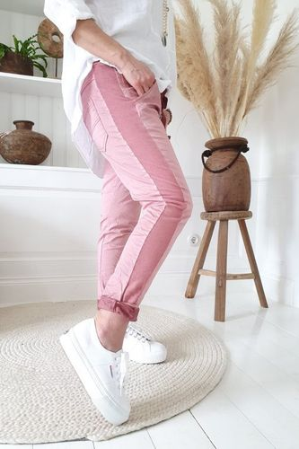 PERFECT JOGGERS BUTTONS Cranberry von BYPIAS
